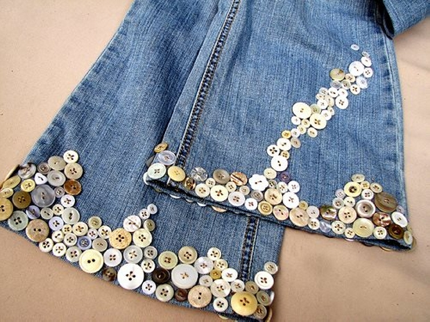 Jeans Fashion with Buttons