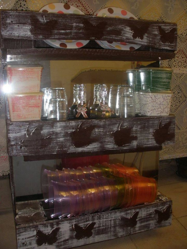 Pallet Recycling Idea for Kitchen