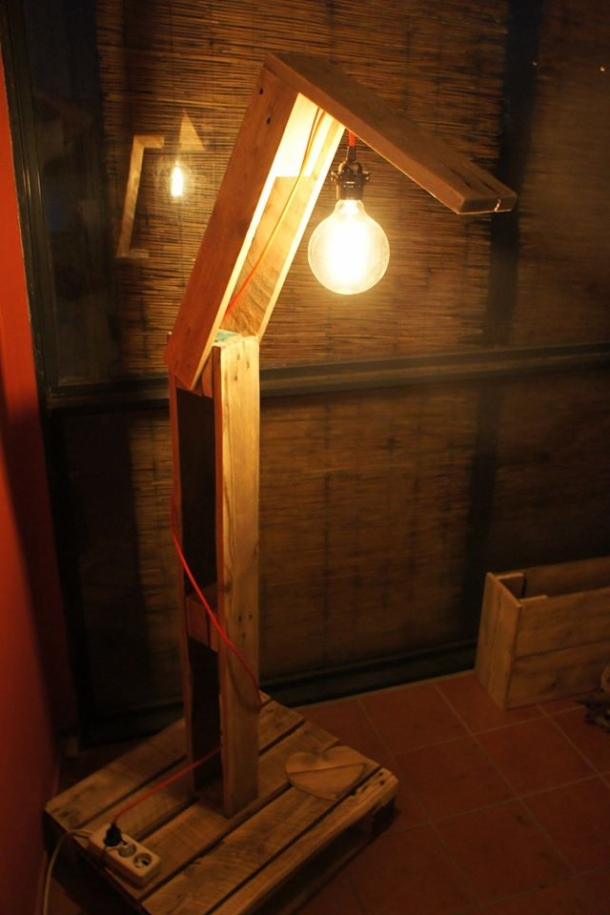Recycled Wooden Pallet Lamp