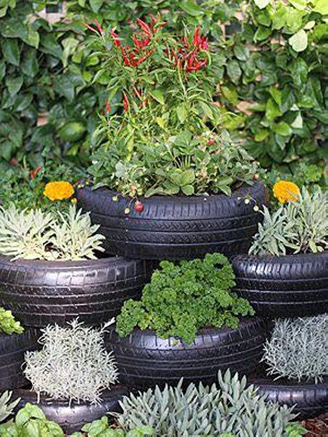 garden decor ideas with car rims and tyres upcycle art