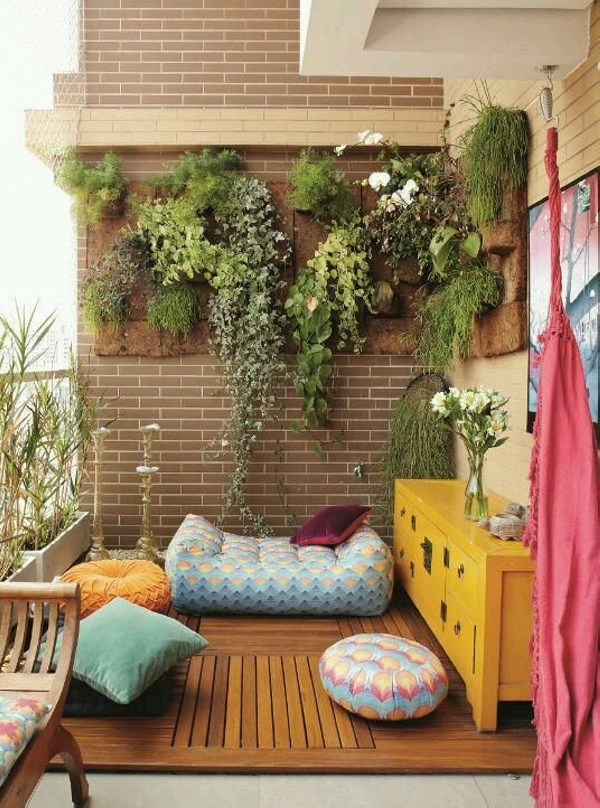 balcony decor with planting