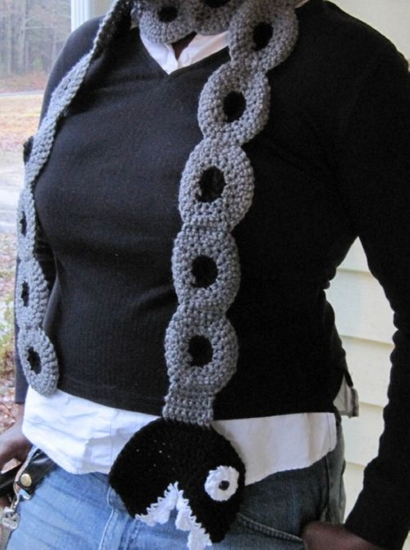 chain chomp crochet scarf