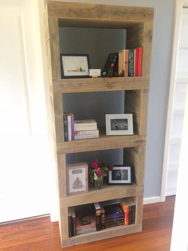 bookshelf from pallet wood