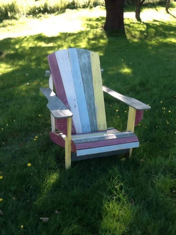 cute pallet chair