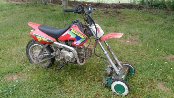 lawn mowing motor bike