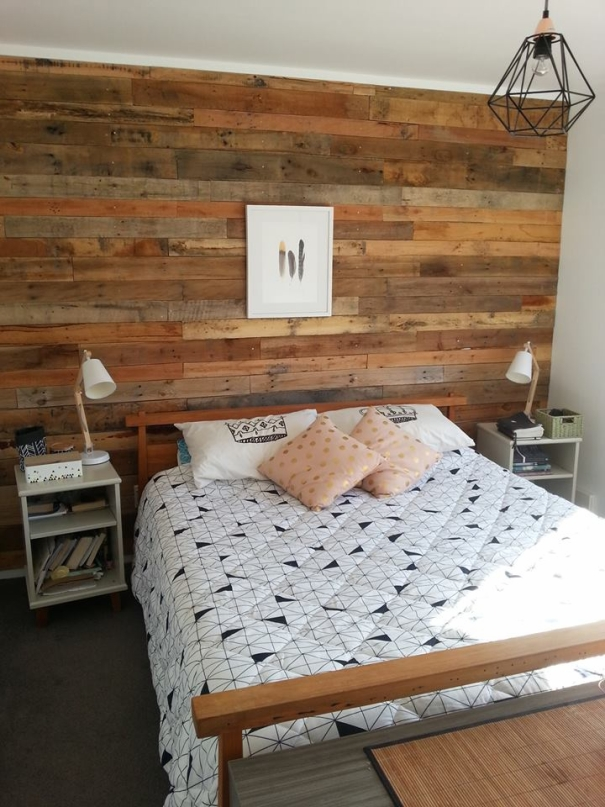 wall with pallets wood
