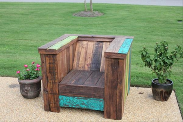 Pallet Chair Outdoors