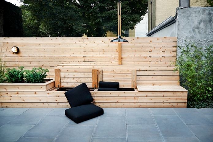 Pallet Planter with Seating