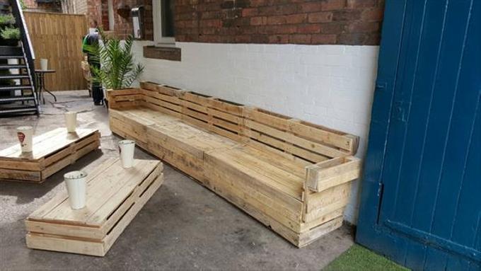 Repurposed pallet full slat sofa