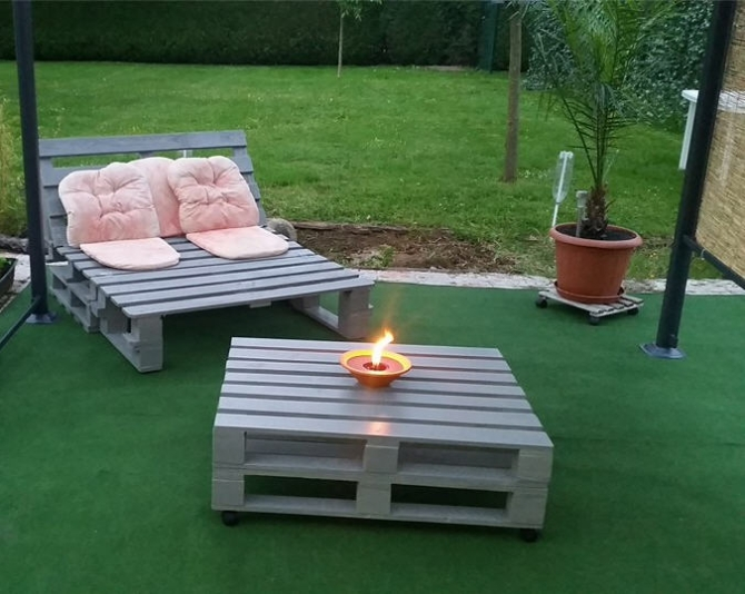 garden furniture with pallets