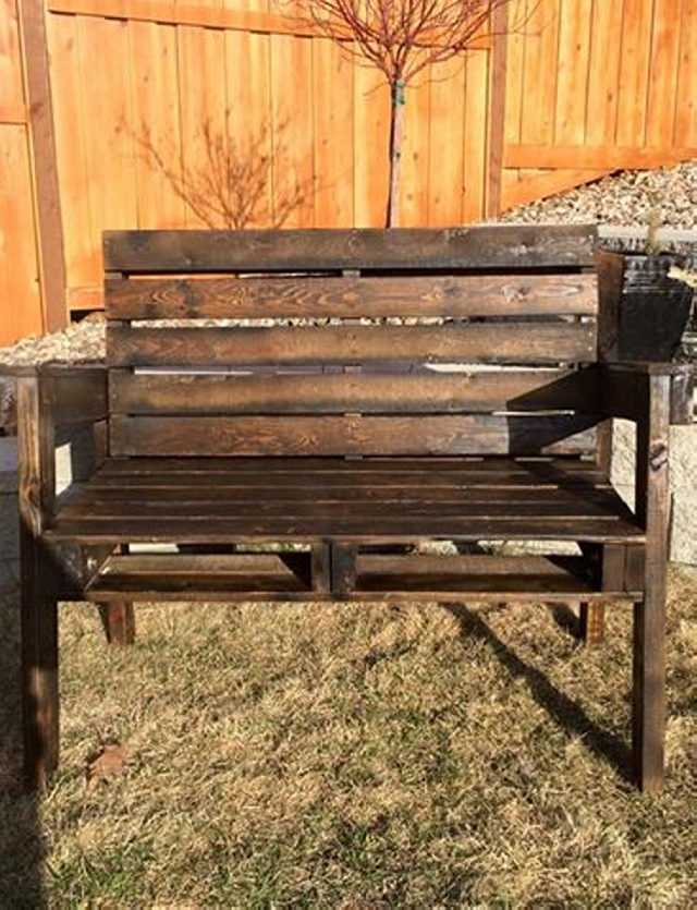 outdoor bench made with pallets wood