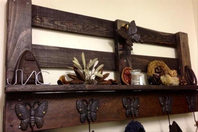 pallet wall hanging shelf