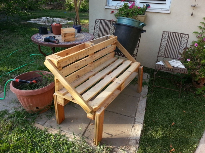Recycled Wood Pallet Benches Upcycle Art