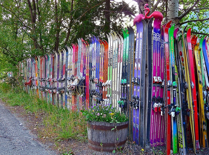 upcycled skis fence