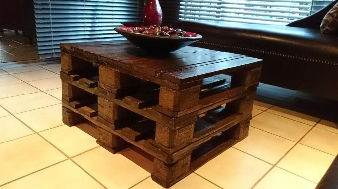 vintage pallet table