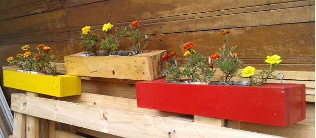 wall decor pallet planter
