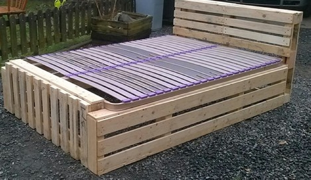 wood pallet bed frame