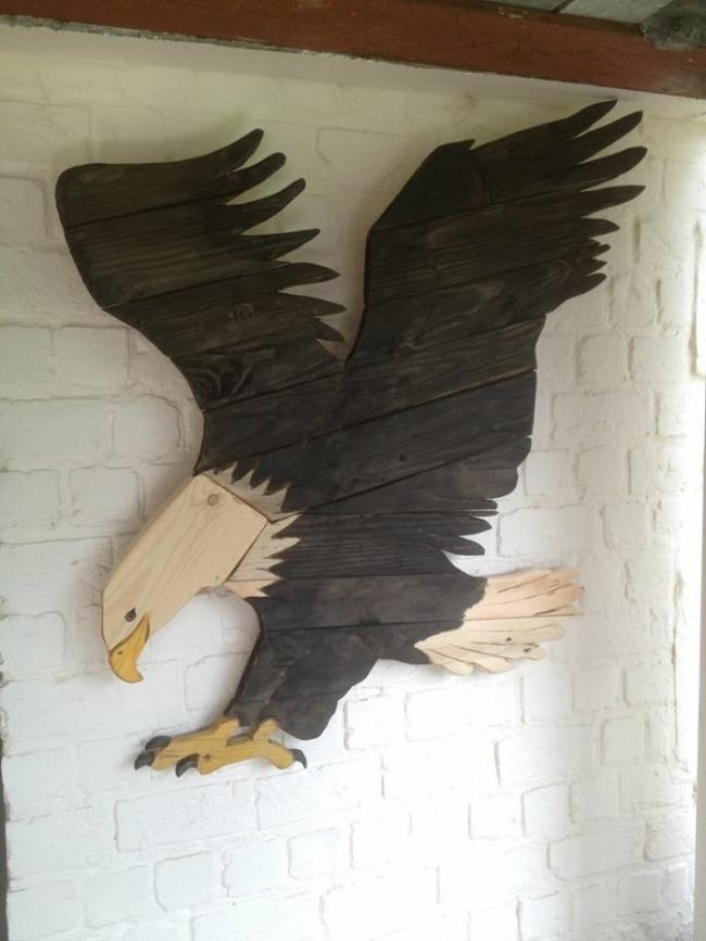 wood pallet eagle
