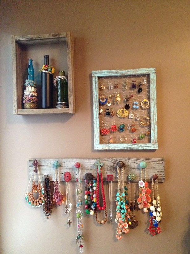 Jewelry Organizing with Wooden Pallets
