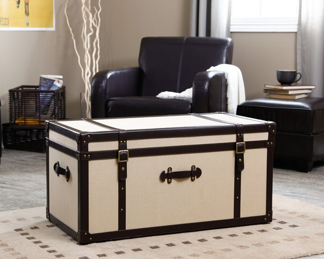 Convert old trunks into coffee tables upcycle art Old trunks as coffee tables