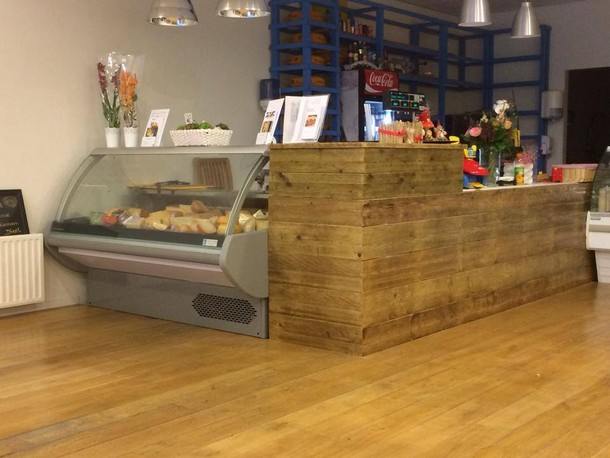 Shop counter made with pallets