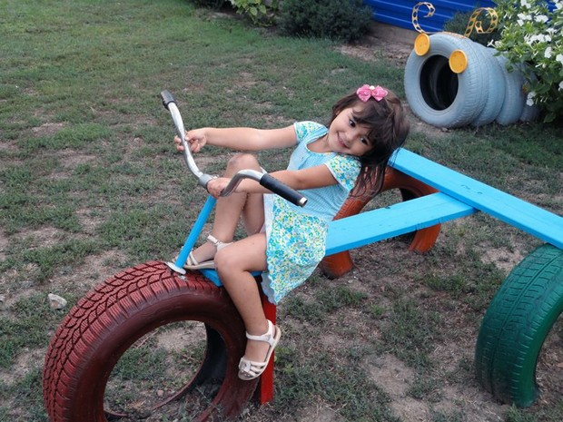 kids fun with upcycle art