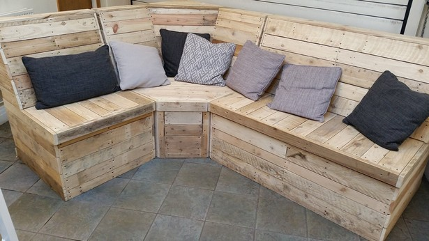pallet couch idea - Patio Seating Ideas
