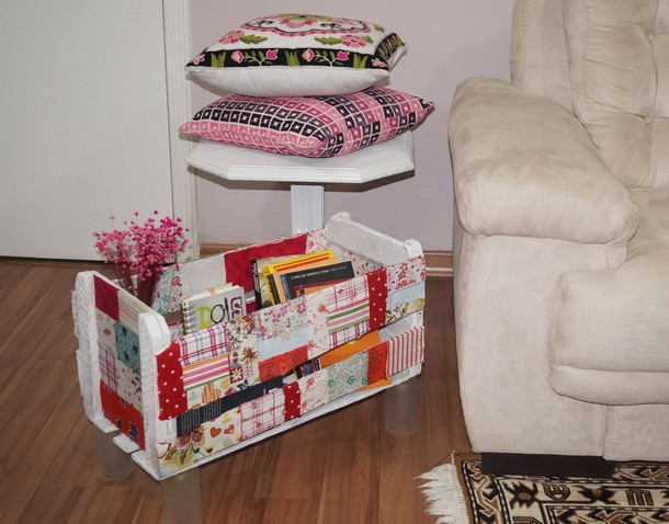 pallet side table and book box