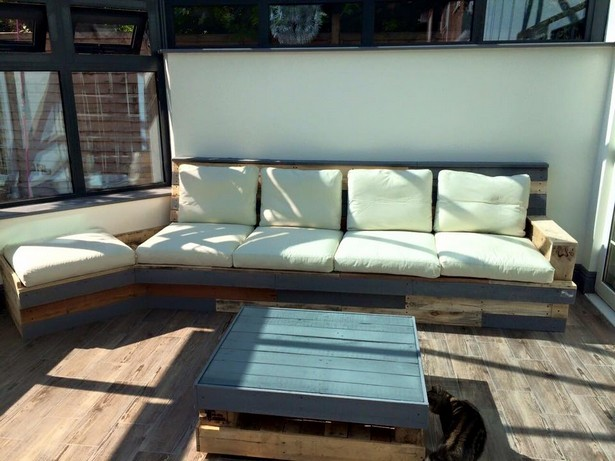 patio couch with wood pallets