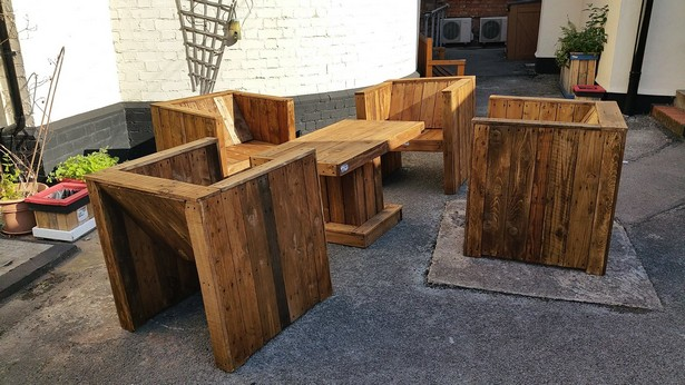 recycled wooden pallet patio furniture