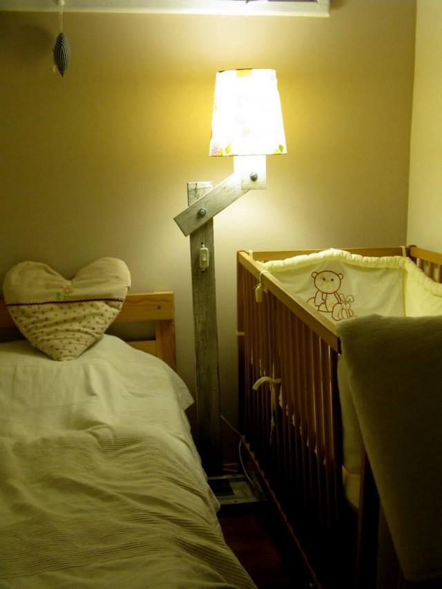 wooden pallet lamp