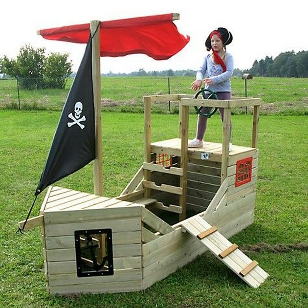 Pallets pirate ship