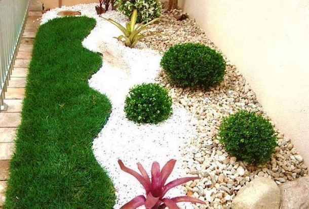 garden idea with pebbles
