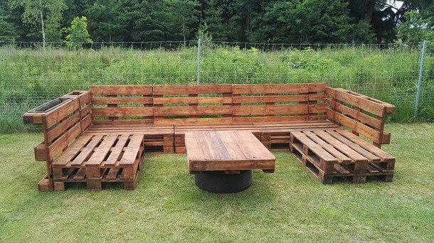 outdoor seating with wooden pallets