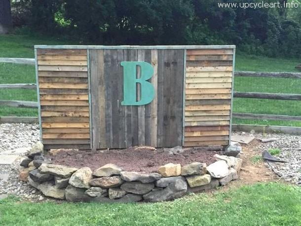 pallet garden fence idea