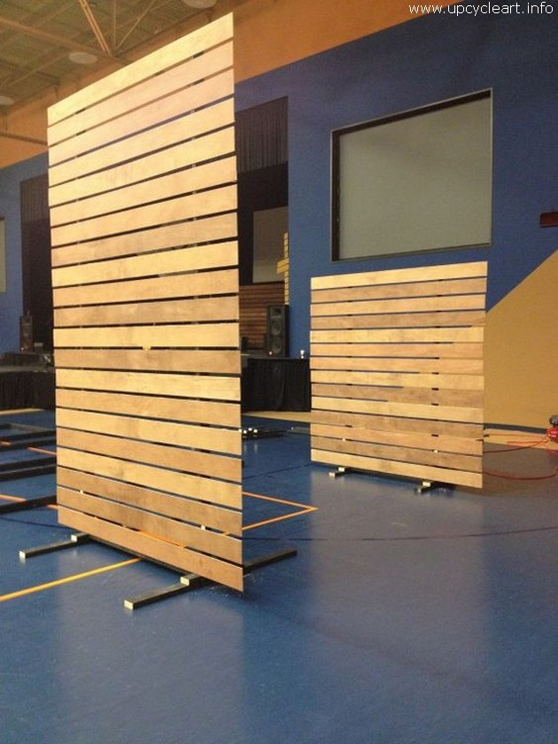 pallet moving wall or space dividers