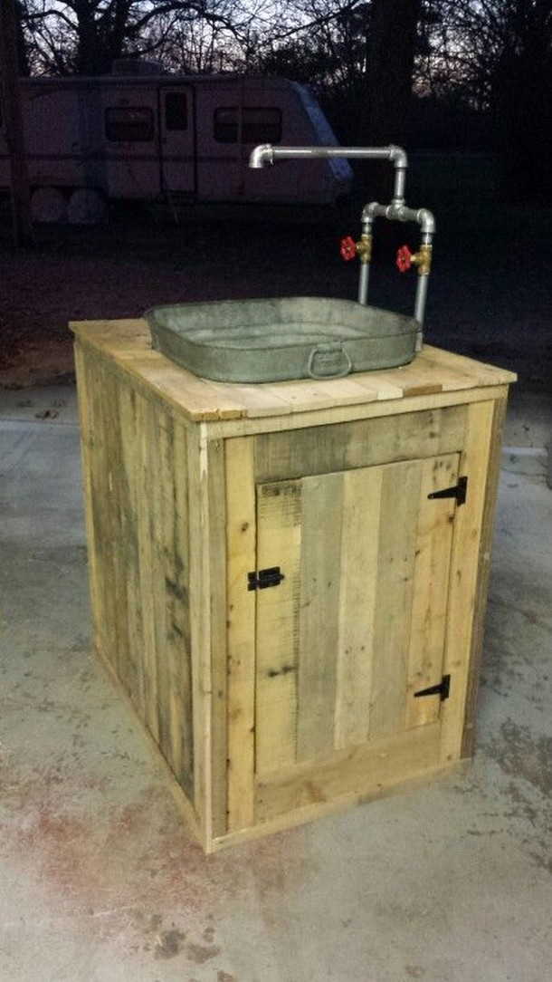 pallet sink with storage
