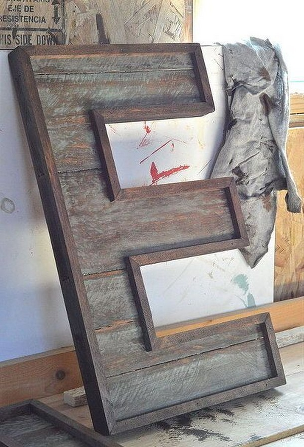 pallet wood E letter