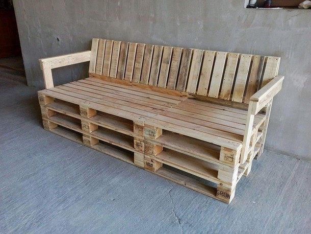 Things made with upcycled wood pallets upcycle art for Making things with wooden pallets