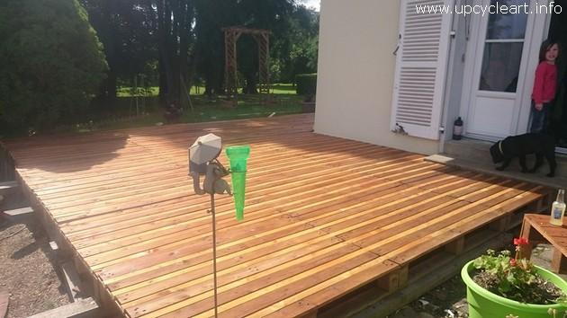 pallet wooden deck
