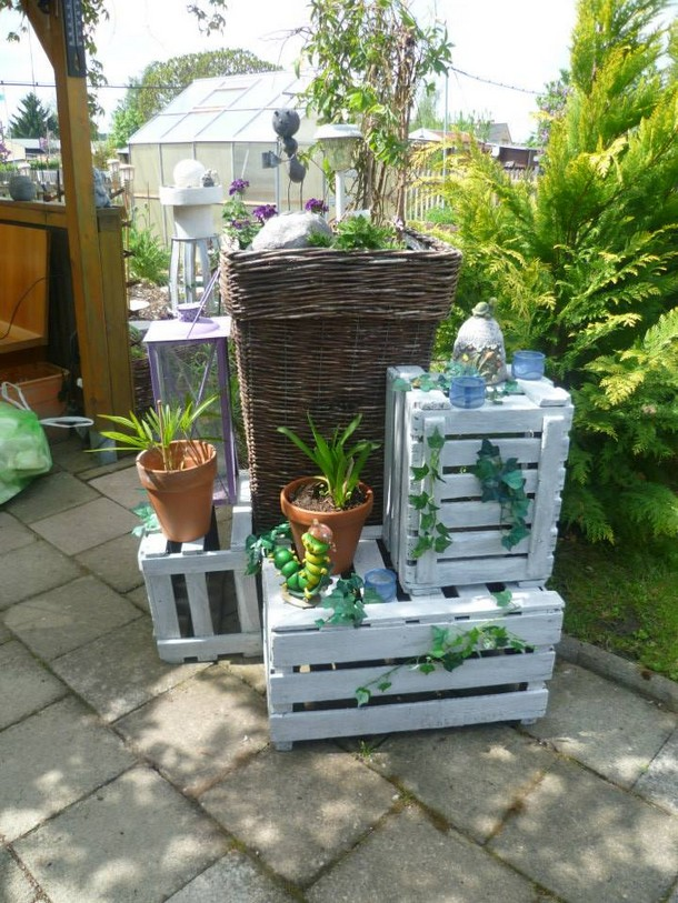 patio decor with pallets wood