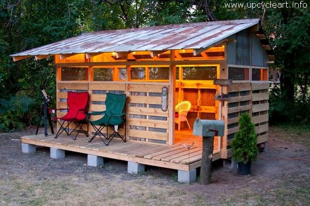 patio kids shed with pallets