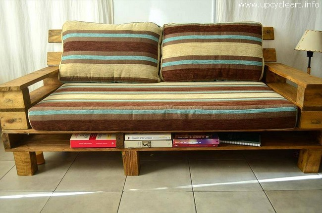 repurposed pallet couch