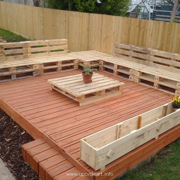 wood pallet deck idea