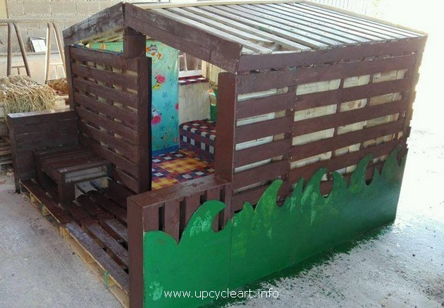wooden pallet kids playhouse
