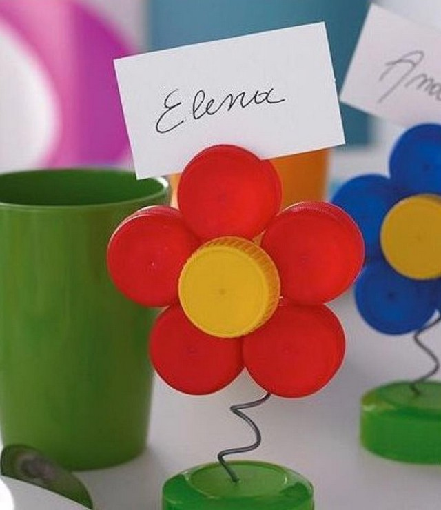 Recycled bottle cap crafts upcycle art for How to make bottle cap flowers