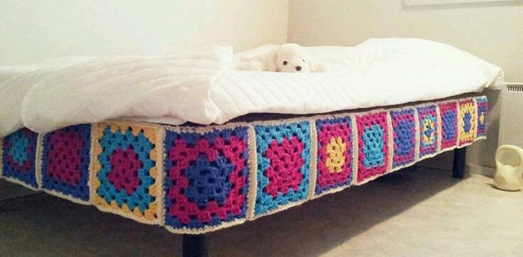 crochet idea for bed