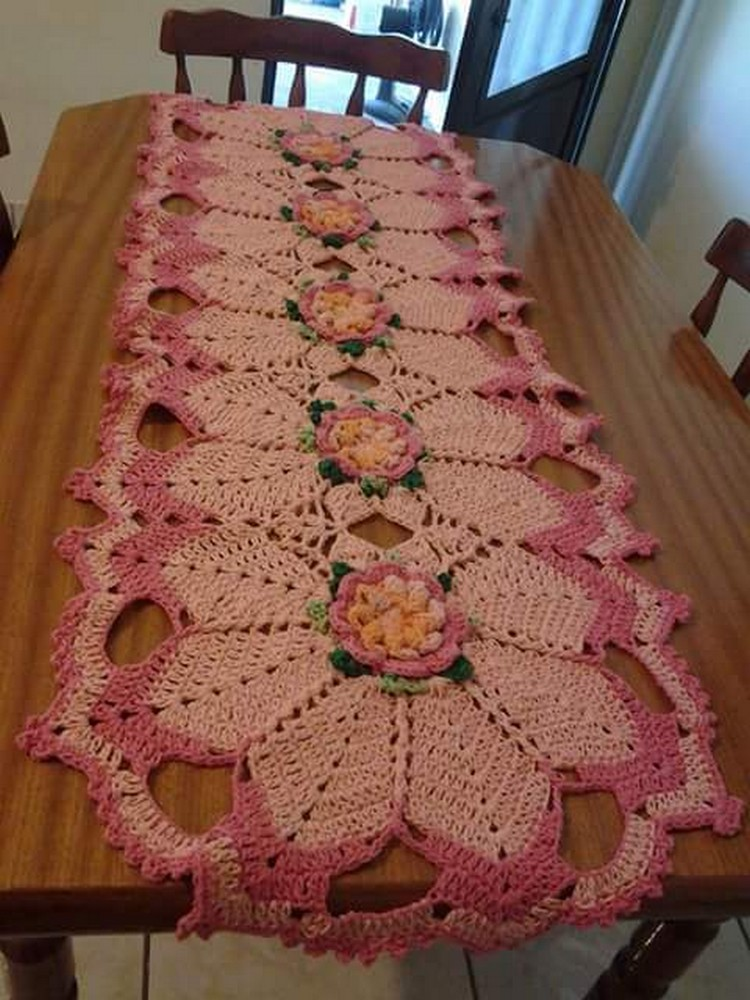 crochet table decor