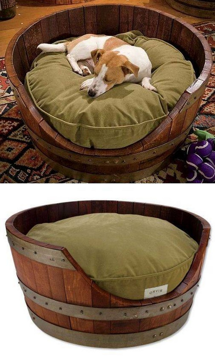 Beds for Dogs Made with Recycled Wooden Barrels