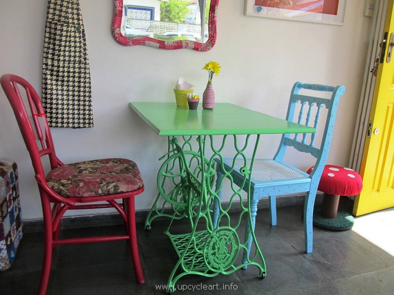 furniture ideas with reused sewing machines